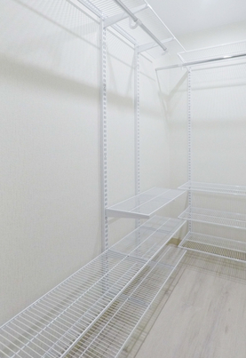 Как мы обустроили гардеробную комнату в квартире